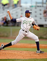 Dexter Carter, 2010 Eugene Emeralds, playing here against the Salem-Keizer Volcanoes at Volcanoes Stadium in Keizer, OR - 09/03/2010.Photo by:  Bill Mitchell/Four Seam Images..