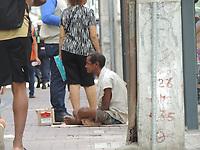 Recife (PE), 11/05/2021 - Pobreza-Recife - Pandemia aumenta o índice de moradores de rua no Recife. Imagens da região central da capital pernambucana.