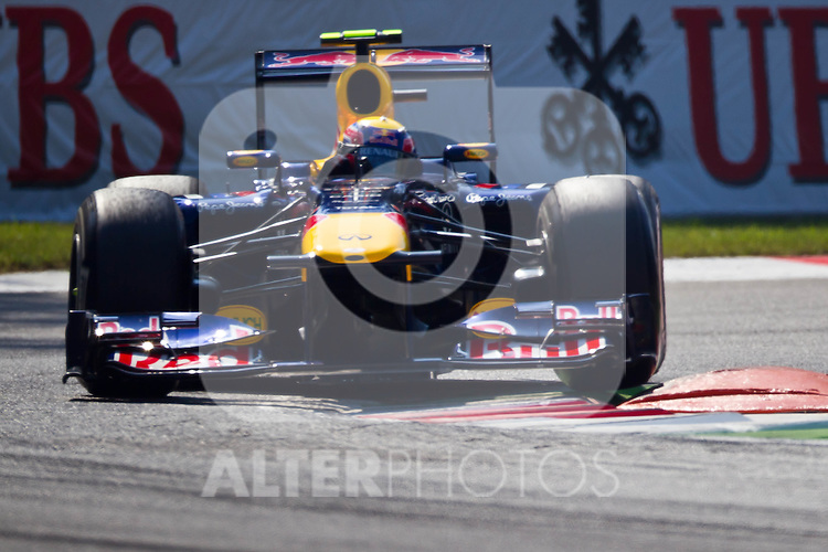 09.09.2011, Autodromo Nationale, Monza, ITA, F1, Grosser Preis von Italien, Monza, im Bild Mark Webber (AUS), Red Bull Racing-Renault // during the Formula One Championships 2011 Italian Grand Prix held at the Autodromo Nationale, Monza, near Milano, Italy, 2011-09-09, EXPA Pictures © 2011, PhotoCredit: EXPA/ J. Feichter