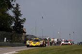 #85 JDC/Miller Motorsports ORECA 07, P: Simon Trummer, Robert Alon, #7 Acura Team Penske Acura DPi, P: Helio Castroneves, Ricky Taylor