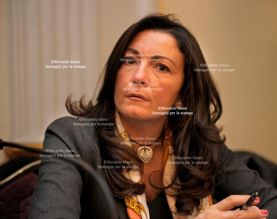 il segretario campano della Cisl, Lina Lucci