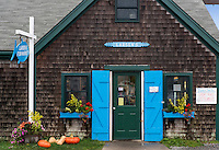 Larsons seafood market, Menemsha, Chilmark, Martha's Vineyard, Massachusetts, USA
