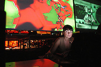 "- social center Leoncavallo, ""Contact Europe, Vj and Dj Contest"", first contest to European level on the new multimedial arts....- centro sociale Leoncavallo, ""Contact Europe,  Vj  e Dj Contest"", primo contest a livello europeo sulle nuove arti multimediali"