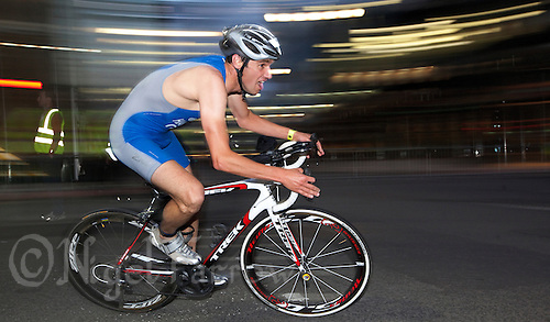 30 JUN 2011 - LONDON, GBR - Stephen Harrison - Men's Super Sprint Final - GE Canary Wharf Triathlon .(PHOTO (C) NIGEL FARROW)