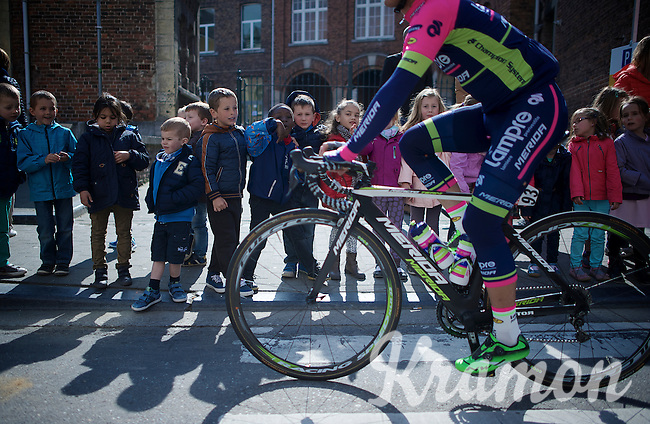 kids get some time off school to go see the riders invading their city (of Waremme)<br /> <br /> 79th Flèche Wallonne 2015