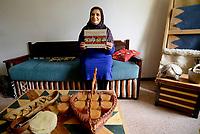Tabarka, Tunisia, 18 Settembre 2018<br /> La cuoca di cucina tradizionale Zaineb Aridhi