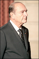 JACQUES CHIRAC A REMIS LES INSIGNES DE COMMANDEUR DE LA LEGION D' HONNEUR A MAITRE SHIRIN EBADI (AVOCATE IRANIENNE, PRIX NOBEL DE LA PAIX 2003, DEFENSEUSE DES DROITS DE L' HOMME ). #