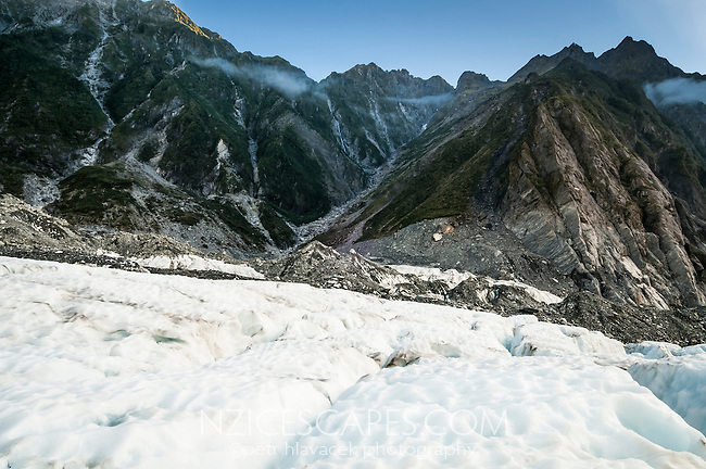 Fritz Range and Defiance Ridge on right as seen from Franz Josef Glacier, Westland National Park, West Coast, World Heritage, South Island, New Zealand