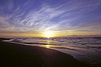 Sunrise at Wailua bay, island of Kauai