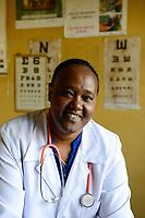 ETHIOPIA Taza Catholic Health Center / AETHIOPIEN Taza Catholic Health Center, Augenklinik, Sr. Meskel Kelta