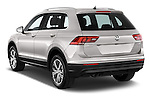 Car pictures of rear three quarter view of 2017 Volkswagen Tiguan Comfortline 5 Door Suv Angular Rear