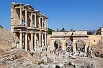 Tuerkei, Provinz Izmir, bei Selcuk: Ruinen von Ephesos, Celsus-Bibliothek | Turkey, Province Izmir, near Selcuk: ruins of Ephesus, Celsius Library