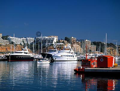 ESP, Spanien, Balearen, Mallorca, Portals Nous: Yachthafen | ESP, Spain, Balearic Islands, Mallorca,