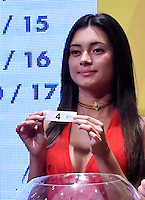 BOGOTA – COLOMBIA - 17-01-2017: A model shows the ballot during the Dimayor draw for the championship Liga Aguila I 2016. Photo: VizzorImage / Luis Ramírez / Staff.