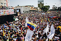 BARQUISIMETO - VENEZUELA, 02-02-2019:  Cientos de Venezolanos participan hoy, 2 de febrero de 2019, en Barquisimeto en una marcha en apoyo al jefe del Parlamento y autoproclamado presidente encargado de Venezuela, Juan Guaidó. / Hundreds of Venezuelans participate today, February 2, 2019, in Barquisimeto in a parade in support of the head of Parliament and self-proclaimed president in charge of Venezuela, Juan Guaidó. Photos: VizzorImage / Jose Daniel Sosa  / Cont