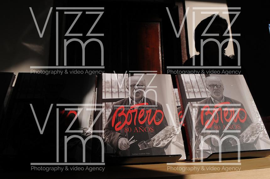 MEDELLÍN-COLOMBIA-22-01-2013   El pintor y escultor colombiano Fernando Botero regresa hoy a su ciudad natal, Medellín, para cerrar con un coloquio las celebraciones de sus 80 años de edad, que cumplió el pasado 19 de abril de 2012./ The colombian painter and sculptor Fernando Botero returns today to Medellín, his hometown, to close with a colloquium his 80th bithday celebrations. HIs birthday was the last April 19th, 2012. Photo: VizzorImage/Luis Benavides/CONT