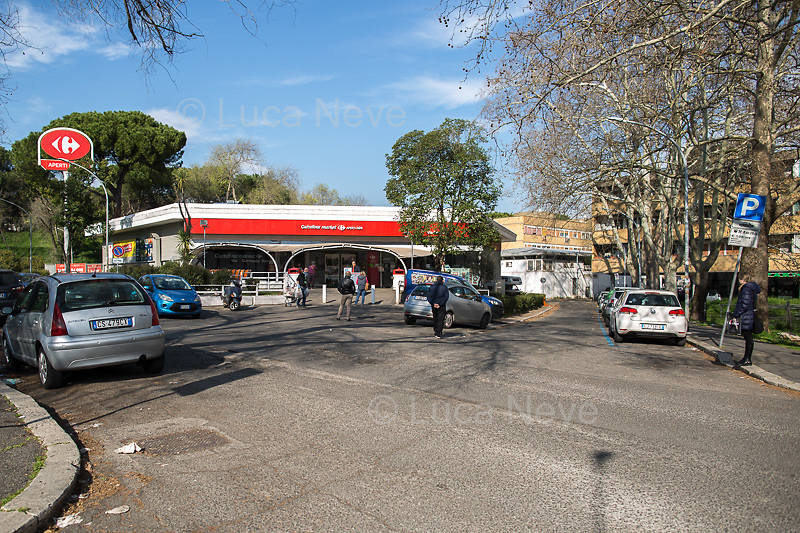 Supermarket: open.<br />