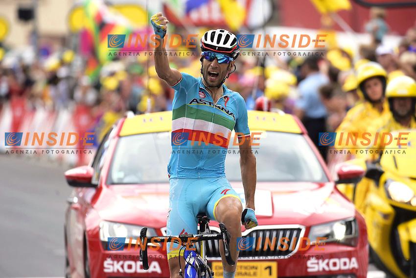 Esultanza per la vittoria di Vincenzo Nibali dell'Astana Pro Team<br /> Francia 24-07-2015. 19° Tappa del Tour de France da Saint-Jean-De-Maurienne a Toussuire - Les Sybelles, France (138 kms)<br /> Foto Vereecken - Kalut/Panoramic/Insidefoto
