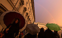 Un arcobaleno visto fuori da Palazzo Chigi, dopo un temporale a Roma, 4 dicembre 2014.<br /> A rainbow is seen from outside of Chigi Palace, Italian government office, in Rome, 4 December 2014.<br /> UPDATE IMAGES PRESS/Riccardo De Luca
