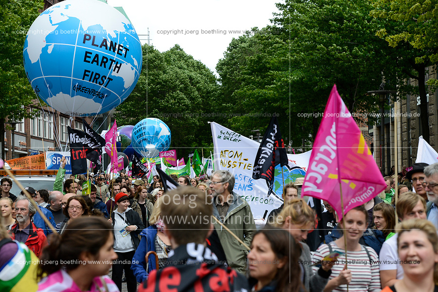 GERMANY, Hamburg, protest rally against G-20 summit in july 2017 / DEUTSCHLAND, Hamburg, Protest Demo gegen G20 Gipfel in Hamburg