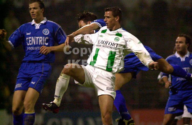 fc groningen - de graafschap 3-1 Holland Casino Eredivisie seizoen 2002-2003 slamon maakt het de defensie lastig
