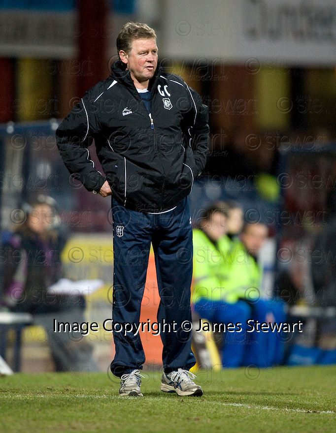 23/03/2010 Copyright  Pic : James Stewart.sct_jspa17_dundee_v_qots  .::  DUNDEE MANAGER GORDON CHISHOLM   ::  .James Stewart Photography 19 Carronlea Drive, Falkirk. FK2 8DN      Vat Reg No. 607 6932 25.Telephone      : +44 (0)1324 570291 .Mobile              : +44 (0)7721 416997.E-mail  :  jim@jspa.co.uk.If you require further information then contact Jim Stewart on any of the numbers above.........
