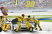 2017 Monster Energy NASCAR Cup Series - Kobalt 400<br /> Las Vegas Motor Speedway - Las Vegas, NV USA<br /> Sunday 12 March 2017<br /> Matt Kenseth, BlueDEF Toyota Camry pit stop<br /> World Copyright: Nigel Kinrade/LAT Images<br /> ref: Digital Image 17LAS1nk06693