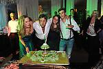 SALVATORE D'AGOSTINO CON MOGLIE E FIGLI SPEGNE LE CANDELINE<br /> COMPLEANNO SALVATORE D'AGOSTINO<br /> HOTEL MAJESTIC ROMA 2011