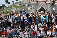 AMANDINE BOURGEOIS, DAMIEN LAURETTA, VALERIE TRIERWEILER, JULIEN LAUPRETRE, JEAN-PHILIPPE DOUX, VERONICA ANTONELLI - LE SECOURS POPULAIRE A DISNEYLAND PARIS, FRANCE, LE 04/04/2017.