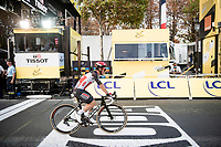Caleb Ewan (AUS/Lotto-Soudal) turning straight back to the teambus after finishing (and not winning) on the Champs-Élysées<br /> <br /> Stage 21 from Mantes-la-Jolie to Paris (122km)<br /> <br /> 107th Tour de France 2020 (2.UWT)<br /> (the 'postponed edition' held in september)<br /> <br /> ©kramon