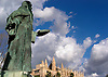 Ramón Llull (Raymond Lully, Majorca 1232/3-1316), one of the most important writers of the catalan literature, sculpture by Horacio de Eguía (1914-1991), in the background the Almudaina Palace and the Cathedral La Seu<br /> <br /> Ramón Llull (Mallorca 1232/3-1316), uno de los más importantes autores de la literatura catalana, escultura por Horacio de Eguía (1914-1991), en el fondo el Palacio Almudaina y la catedral La Seu<br /> <br /> Ramón Llull (Mallorca 1232/3-1316), einer der wichtigsten katalanischen Literaten, Skulptur von Horacio de Eguía (1914-1991), im Hintergrund der Almudaina Palast und die Kathedrale La Seu<br /> <br /> 2100 x 1500 px