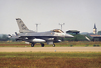 - caccia F 16 dell' Us Air Force sulla base aerea Canadese di Baden Soellingen (Germania Federale, 1984)<br />