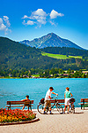 Deutschland, Bayern, Oberbayern, Tegernseer Tal, Stadt Tegernsee: Seepromenade | Germany, Bavaria, Upper Bavaria, Tegernseer Valley, Tegernsee at Lake Tegern: waterfront promenade