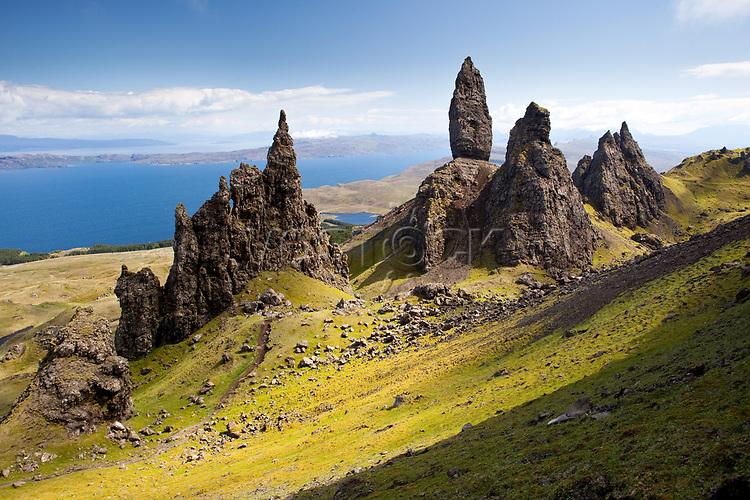 Schottland, Innere Hebriden, Isle of Skye, Halbinsel Trotternish, The Old Man of Storr, Europa, 2010, QF; (Bildtechnik: sRGB, 72.00 MByte vorhanden)<br /> <br /> Engl.: Europe, Great Britain, Scotland, Inner Hebrides, Isle of Skye, peninsula Trotternish, The Old Man of Storr, mountains, geology, June 2010