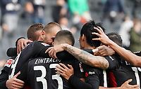 celebrate the goal, Torjubel zum 2:1 Bas Dost (Eintracht Frankfurt) mit Andre Silva (Eintracht Frankfurt), Daichi Kamada (Eintracht Frankfurt)<br /> - 03.10.2020: Fussball  Bundesliga, Saison 20/21, Spieltag 3, Eintracht Frankfurt vs. TSG 1899 Hoffenheim, emonline, emspor, v.l. Deutsche Bank Park<br /> Foto: Marc Schueler/Sportpics.de <br /> Nur für journalistische Zwecke. Only for editorial use. (DFL/DFB REGULATIONS PROHIBIT ANY USE OF PHOTOGRAPHS as IMAGE SEQUENCES and/or QUASI-VIDEO)