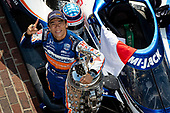 #30: Takuma Sato, Rahal Letterman Lanigan Racing Honda Winner Portraits