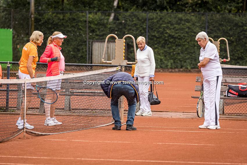 Hilversum, The Netherlands,  August 20, 2021,  Tulip Tennis Center, NKS, National Senior Tennis Championships, Womans doubles toss<br />  Photo: Tennisimages/Henk Koster