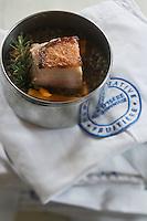 Europe/France/73/Savoie/Val d'Isère:   Poitrine  de porc aux epices sur lentilles vertes du Puy - Restaurant d'Altitude: La Fruitière