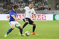 Jukka Raitala (Finnland) gegen Mario Götze (Deutschland Germany) - Deutschland vs. Finnland, Borussia Park, Mönchengladbach
