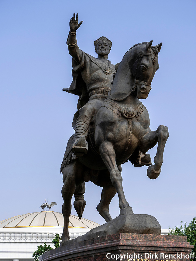 Denkmal Amir Timur vor Parlament, Taschkent, Usbekistan, Asien<br /> Monument of Amir Timur in front of parliament, Tashkent, Uzbekistan, Asia