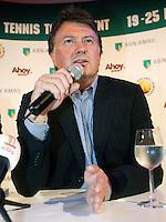 21-2-07,Tennis,Netherlands,Rotterdam,ABNAMROWTT,Pressconference with ATP director de Vilier