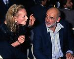 SEAN CONNERY  E URSULA ANDRESS<br /> FESTA ALL'ACROPOLIS PER URSULA ANDRESS ROMA 1986