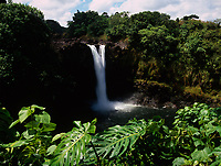 Rainbow Falls or Waianuenue Waterfall, Wailuku River State Park, Hilo, Big Island, Hawaii, USA.