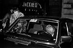 GIANNI AGNELLI CON LA MODELLA RAMONA RIDGE<br /> USCITA DAL JACKIE O' ROMA 1980