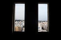 Tunisi, vista della città da una finestra