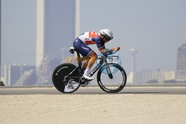Koen de Kort (NED) Trek-Segafredo during Stage 2 of the 2021 UAE Tour an individual time trial running 13km around  Al Hudayriyat Island, Abu Dhabi, UAE. 22nd February 2021.  <br /> Picture: Eoin Clarke | Cyclefile<br /> <br /> All photos usage must carry mandatory copyright credit (© Cyclefile | Eoin Clarke)