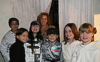 12-13-08 Liz Keifer & daughter Isabella - Star Wars