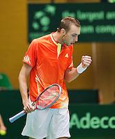 06-04-12, Netherlands, Amsterdam, Tennis, Daviscup, Netherlands-Rumania, Thomas Schoorel  wint de eerste partij