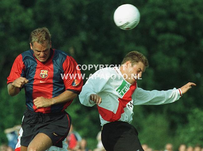 Deventer,24-07-99  Foto:Koos Groenewold (APA)<br />Frank de Boer in actie tegen de Koninlijke UD uit Deventer.