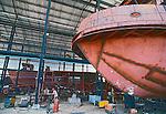 Construção de navio no estaleiro da industria naval Inace. Fortaleza, Ceara. 1998. Foto de Juca Martins.